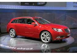 Помимо седана и хэтчбека у Opel Insignia появился кузов универсал (багажник 540 л против 500 л – у седана).