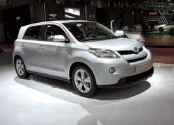 Компактный Toyota Urban Cruiser будет производиться с полным и с передним приводом. Вариантов моторов два – 1,3-литровый бензиновый (100 л. с.) и 90-сильный турбодизель объемом 1,4 литра.