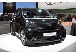 Задача Toyota IQ с посадочной формулой 3+1 – потеснить двухмеcтный Smart.