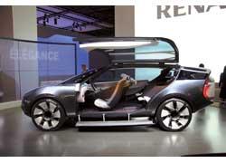 Футуристический концепт-кар Renault Ondelios отличается гибридной силовой установкой суммарной мощностью 258 л. с. Машина имеет 6 индивидуальных кресел и двери типа «крыло чайки».