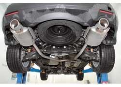 Запасное колесо – под днищем. Ведь в полу багажника упрятаны еще два посадочных места.
