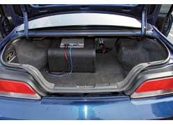 Багажник Prelude по сравнению с конкурентами средний – 284 л. Для перевозки «длинномеров» можно откинуть спинку заднего сиденья.