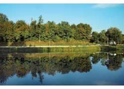 Озера с хрустально-чистой водой – украшение Феофании.