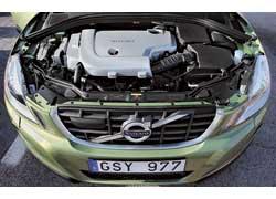 Бензиновый Т6 обеспечивает лучшую динамику, чем дизельный (на фото) – на 2,3 с, зато последний почти на треть экономичней – 11,9 л/100 км у бензинового против 8,3 л у дизеля.