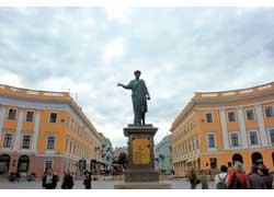 Памятник Арману Эмманюэлю дю Плесси, герцогу де Ришелье, или попросту Дюку.