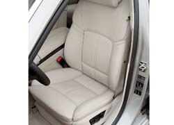 Водительское сиденье по желанию может быть комфортным и просторным либо спортивным и цепким.