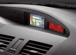 В качестве опции предлагается инфо-навигационная система с цветным монитором.