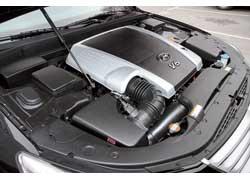 V6 Lambda объемом 3,8 л (290 л. с.) – единственный мотор для украинских версий машины. Он знаком нам по модели Veracruz. Для Genesis мотор модернизировали, и он выдает на 30 л. с. больше.