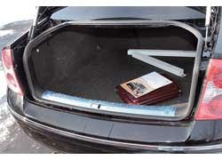 По сравнению с предшественником багажник седана уменьшился на 20 л – 475/800 л и занимает среднее положение в классе.