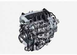 Турбированный мотор с прямым впрыском топлива развивает мощность 500 л. с., а максимальный крутящий момент 700 Нм достигается при 4500 об/мин.