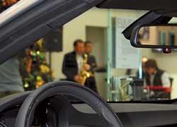 Для настоящих и будущих поклонников автомобилей и мотоциклов BMW официальный импортер BMW в Украине – компания «АВТ Бавария» открыла в Киеве, на Подоле, очередной дилерский центр.