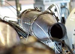 На евробензине катализатор меньше окисляется и накапливает сажу, поэтому может служить в два-три раза дольше – не 60–100 тыс. км, а 200–250 тыс. км.