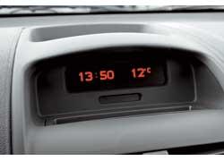 Комплектация с борткомпьютером и климат-контролем встречается лишь на машинах, выпущенных после 2006 года. Кондиционер всегда присутствовал в списке опций.