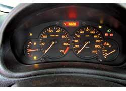 Peugeot не балует обилием маршрутной информации и только пройденный километраж показывает в отдельном окошке.