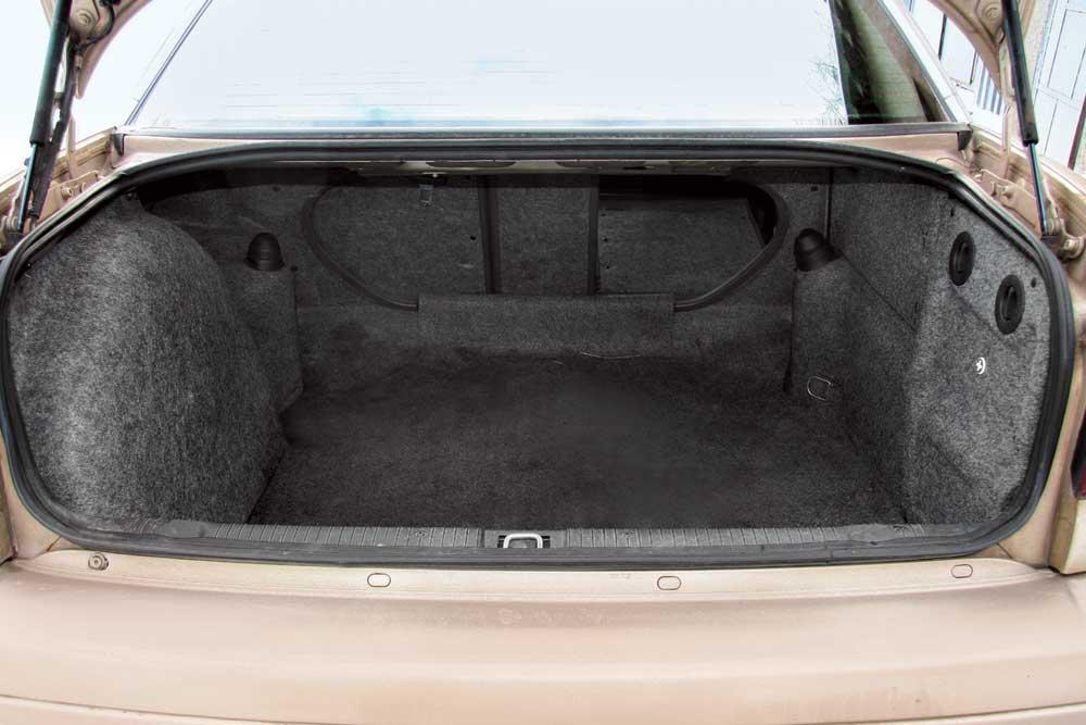 opel omega b универсал размер багажника