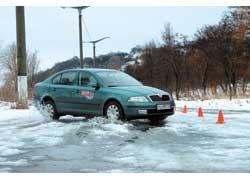 Неправильно выполненное экстренное торможение чаще всего приводит к заносу и потере управляемости автомобилем.