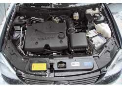 Шестнадцатиклапанный российский мотор обладает большими объемом (1,6 литра), мощностью (98 л. с.) и крутящим моментом (145 Нм).