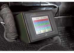 Цветной сенсорный дисплей выводит информацию о напряжении, токе, температуре как всей тяговой батареи, так и отдельных ее секций.
