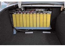 15 из 29 литий-ионных батарей суммарной энергоемкостью 27 кВт.ч разместили