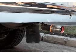 Декоративная насадка на глушитель – единственное напоминание о том, что когда-то этот автомобиль был бензиновым.