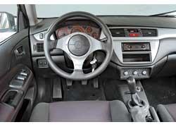 Руль Momo – стандартная комплектация для более мощной версии Sport.