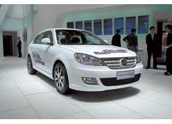 Специально для китайского рынка Volkswagen подготовил концептуальный экомобиль с технологией BlueMotion на платформе седана Lavida c 1,4-литровым 131-сильным мотором TSI и 7-ступенчатой КП DSG.