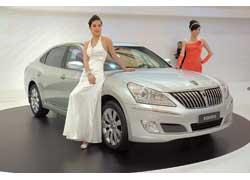 Самый престижный корейский седан – Hyundai Equus в топ-версии оснащается 4,6-литровым V8 (366 л. с.) и стоит около 73000 долларов.