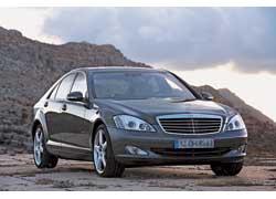 Mercedes S-Klasse Ксения с удовольствием водит сама.