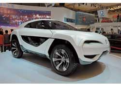 У прототипа Chana e301 Concept свежий лаконичный дизайн. Трехместный гибридный кроссовер отличается дверями типа «крыло чайки» и асимметричным салоном.