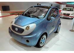 Еще один электрический «лилипут» (длина всего 2999 мм) Dongfeng I-Car имеет запас хода более 60 км.