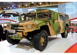 Сами китайцы считают, что их Dongfeng EQ2050 превосходит свой легендарный прообраз Hummer по 12-ти из 15 показателей! С 2007 года эта машина находится на вооружении армии Поднебесной.