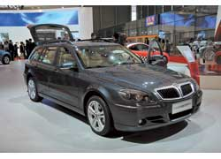 Вслед за седаном Brilliance BS6 гибридной модификацией обзавелся меньший универсал BS4 Wagon. Как и в первом случае, машина пока еще не серийная.