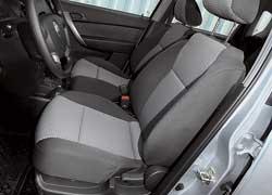 Сиденья Chevrolet более мягкие. Подушка длиннее и обеспечивает лучшую поддержку ног.