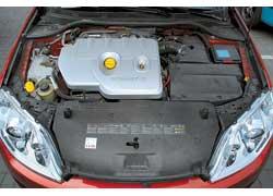 Мы смело включили 2,0-литровую Laguna в соревнования, так как благодаря турбине мощность ее мотора, как и у Mazda, – 170 л. с.