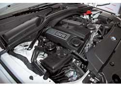 Единственный в «пятерочной» гамме 4-цилиндровый бензиновый мотор оснащен системой Valvetronic.