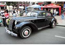 Opel Admiral 1939 года харьковского клуба «Самоход»попал в Украину уже после войны. На его реставрацию ушло 2,5 года.