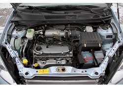 Двигатель объемом 2,4 л предлагается в паре либо с механической КП и полным приводом (как у тестового авто), либо с «автоматом» и передним приводом.