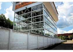В столице отрылась новая экспериментальная парковка, которая на площади 220 кв. м способна разместить 29 автомобилей.