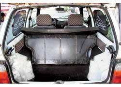 Чтобы перевезти мало-мальски заметный груз, придется увеличить багажник с 210 до 650 л, сложив задний диванчик.