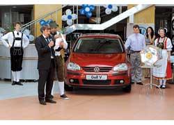 В рамках национальной акции импортера Volkswagen в Украине ООО «Порше Украина» состоялся розыгрыш VW Golf V и VW Caddy Kombi.