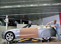 Работа дизайнеров в непосредственной близости к аэродинамической трубе позволит контролировать обтекаемость любого элемента в оформлении кузова.