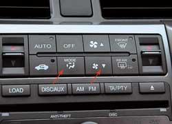 В машине пятого поколения стало легко менять силу обдува и направление потоков «горячими клавишами» на передней панели (чего не хватало ранее).
