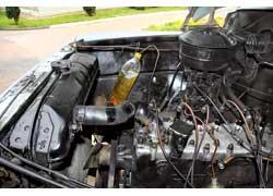 «Родной» газовский двигатель заводится на бензине, а затем переводится на работу на газе, подающемся прямо во впускной коллектор.
