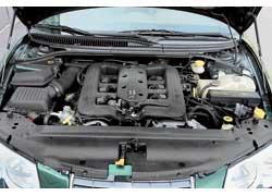Линейка силовых агрегатов 300М ограничена – всего два бензиновых мотора V6.