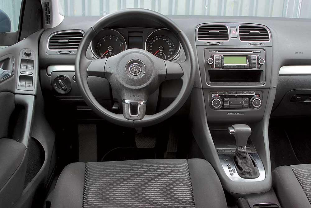 Оцениваем заявку на лидерство в классе хэтчбека Volkswagen Golf ... | 668x1000