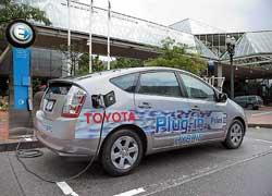 Компания Toyota объявила о совместной с японским университетом Tohoku разработке новой технологии, которая значительно повышает емкость литий-ионных батарей для электромобилей.