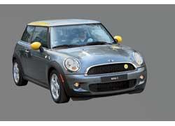 Mini E пока доступен только в лизинг, но через несколько лет его можно будет купить в салонах дилеров.