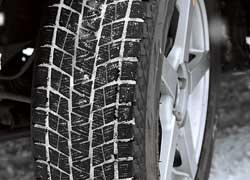 Новая шина выпускается в 57 типоразмерах. При создании протектора учитывался фактор привлекательности дизайна. Его сделали агрессивным.