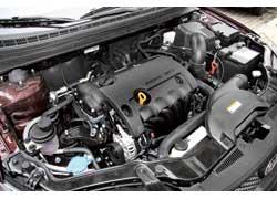 Двигатель Cerato при объеме 1,6 литра радует хорошей мощностью в 124 л. с. Но динамика машины – на уровне конкурентов с более слабыми движками. Экономный водитель оценит скромный аппетит мотора. А еще он очень тихий!