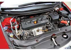 Более мощный мотор Leon разгоняет его всего на 0,1 секунды быстрее Civic, но топлива потребляет больше. В городе разница в расходе может составлять 2,3 литра на 100 км.